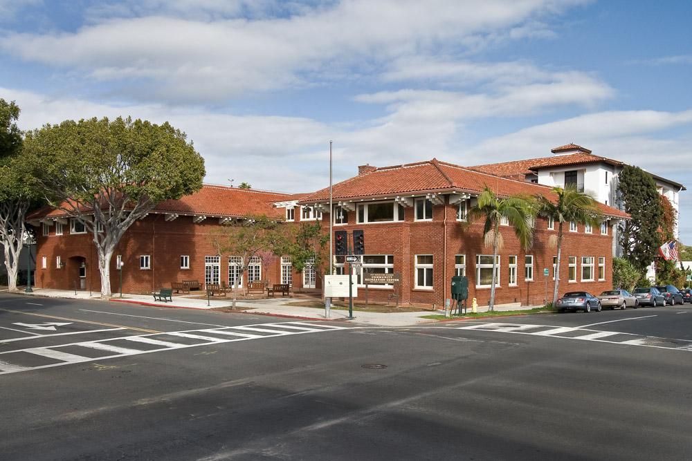 Carrillo Recreation Center exterior